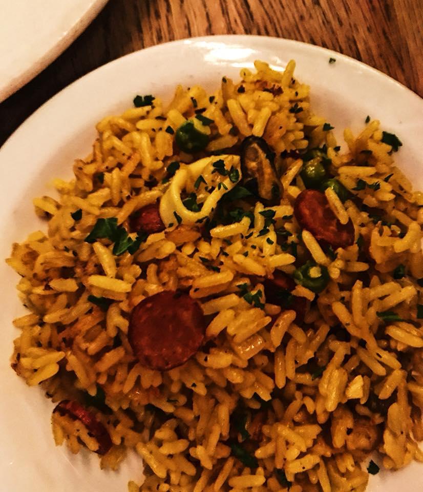 Seafood rice, chicken, chorizo, salami G.F